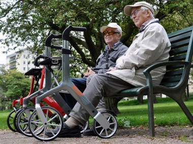 Lets fly outdoors rollator  104